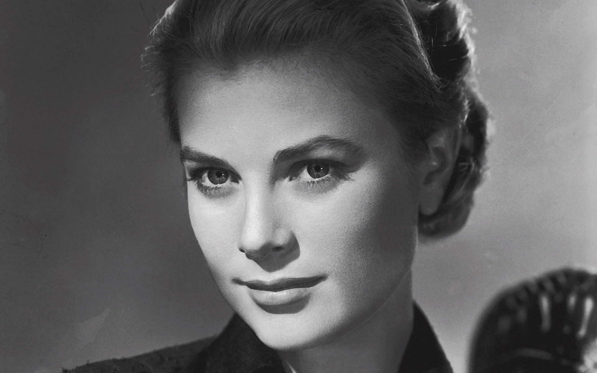 50 anos de textos grace kelly de volta aos holofotes. Black Bedroom Furniture Sets. Home Design Ideas